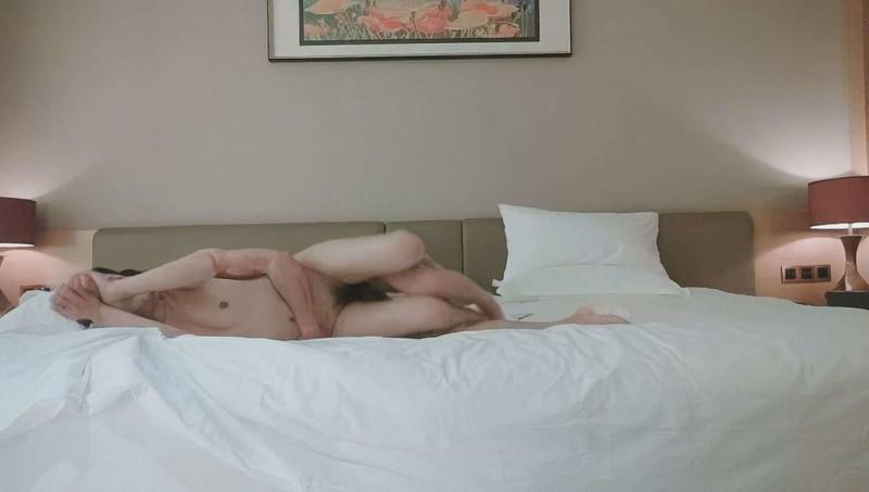 大神酒店约炮非常漂亮的小嫩妹完美露脸原档
