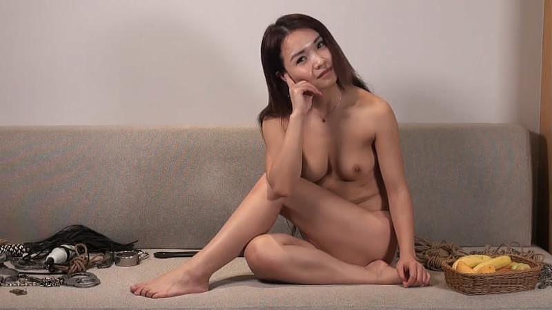 香港摄影师猥琐眼镜KK哥和导演一块3P完嫩模再拍摄[MP4721MB]